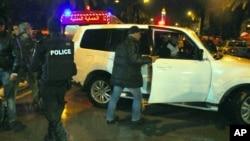 突尼斯林蔭大道爆炸襲擊後, 警方到場調查
