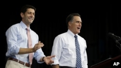 Ứng cử viên tổng thống của đảng Cộng hòa Mitt Romney và ứng cử viên phó tổng thống Paul Ryan trong cuộc vận động tại Nevada, ngày 23/10/2012