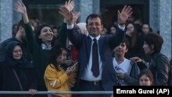 Bajarvanê nû yê Stenbolê Ekrem Îmamoglu