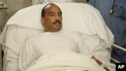 14일 모리타니 군사병원에서 총상 응급 치료를 받은 모하메드 울드 압델 아지즈 모리타니 대통령