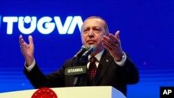 El presidente de Turquía, Recep Tayyip Erdogan habla durante una reunión con una organización de jóvenes en Estambul, el sábado 22 de diciembre del 2018.