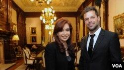El cantante no se va sin antes prometer una nueva visita al continente. La cita será en Chile el próximo 24 de septiembre.