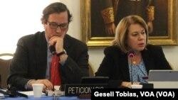 Liliana Ortega, representante de COFAVIC y Carlos Ayala, abogado, mostraron ejemplos de las violaciones a los DD.HH. en Venezuela, ante la CIDH en Washington.