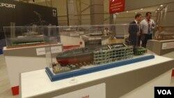 今年6月莫斯科武器展上展出的基洛级潜艇模型。俄罗斯向中国和越南出售了基洛级潜艇。