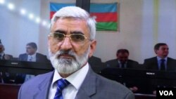 Klassik Xalq Cəbhəsi Partiyasının sədri Mirmahmud Mirəlioğlunun Amerikanın Səsinə müsahibəsi