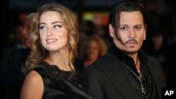 Ông Johnny Depp và bà Amber Heard trước khi ly dị.