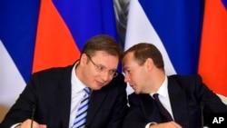 Premijer Srbije Aleksandar Vučić se tokom posete Moskvi susreo i sa ruskim premijerom Dmitrijem Medvedevom