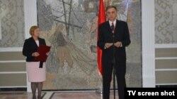 Direktorka Glasa Amerike Amanda Benet i crnogorski predsednik Filip Vujanović u Podgorici, 25. septembar 2017.