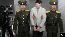 Oto Vormbier pre suđenja u Pjongjangu, 16. mart 2016.