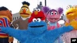 ລາຍການໂທລະທັດ Sesame Street ປູກຝັງຄ່ານິຍົມ ໃນການຮຽນແກ່ເດັກນ້ອຍໃນເຂດເອເຊຍໃຕ້