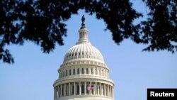 美國國會拱頂
