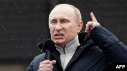 Պուտինի հազարավոր կողմնակիցներ երթ են անցկացրել Մոսկվայում