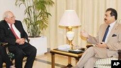 امریکی سینیٹر کی وزیراعظم گیلانی سے ملاقات