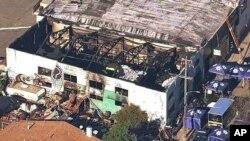 KGO-TV电视台2016年12月3日提供的画面显示火灾后的情景。