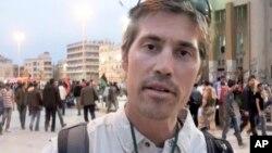 지난 2011년 4월 리비아 벵가지에서 취재 활동 중인 제임스 폴리 기자. 이라크 수니 반군 세력은 미군의 공습에 대한 보복이라며, 19일 폴리 기자를 참수하는 동영상을 공개했다.
