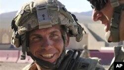 Narednik Robert Bejls (arhivski snimak)