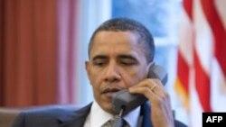 Обама поговорил с астронавтами по телефону