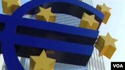 El euro cayó a su nivel más bajo desde 2003.
