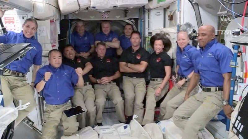 НАСА розробляє засіб для прання, щоб прати білизну на МКС чи дорогою до Марсу