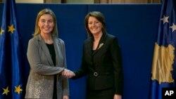 Visoka predstavnica EU Federika Mogerini i predsednica Kosova Atifete Jahjaga