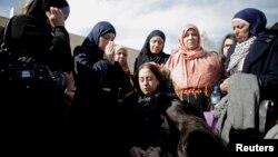 Thân nhân của Bộ trưởng Palestine Ziad Abu Ain dự tang lễ của ông trong thành phố Ramallah, 11/12/14