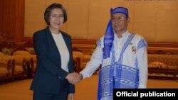 Ms. Yanghee Lee ျပည္ေထာင္စုလႊတ္ေတာ္နာယက ဦးမန္းဝင္းခိုင္သန္းနဲ႔ေတြ႔ဆံု(Myanmar union Parliament FB)