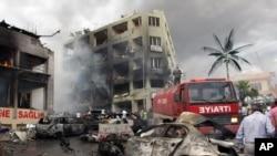 터키 남부 하타이 주 레이한리 마을의 폭발 현장