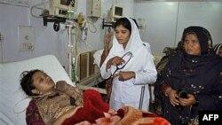 Các bác sĩ cho biết bà Shumaila Kanwal đã qua đời tại bệnh viện ở thành phố Faisalabad cuối ngày Chủ Nhật sau khi uống thuốc trừ sâu