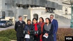 民主党联邦众议员赵美心(Rep. Judy Chu, D-CA)2020年2月28日在国会山前召开记者会,呼吁各界防疫当前停止散播仇视亚裔言论。(美国之音李逸华拍摄)