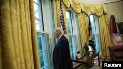 Luego de anunciar que consideró retirar a EE.UU. del TLCAN, Trump aseguró que después de conversar con sus homólogos de México y Canadá ha decidido renegociar el tratado.