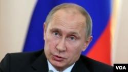 """Tổng thống Nga Vladimir Putin cảnh báo rằng các cuộc tấn công của Tây phương mà không có sự chấp thuận của Hội đồng Bảo an sẽ là một hành vi """"xâm lược"""""""