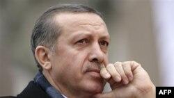 Qeveria turke dërgon në parlament një paketë të debatueshme reformash