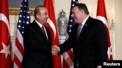 دیدار مایک پمپئو وزیر خارجه ایالات متحده با مولود چاووش اغلو وزیر امور خارجه ترکیه در واشنگتن - ۱۴ خرداد ۱۳۹۷