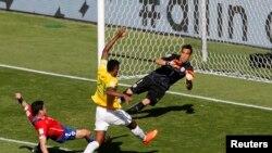 Hai đội Brazil và Chilê hòa nhau 1-1 sau 90 phút của trận đấu chính.