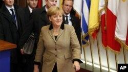 14일 벨기에 브뢰셀에서 열린 올해 마지막 유럽연합 정상회의를 마치고 나오는 앙겔라 메르켈 독일 총리.