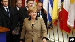 Kanselir Jerman Angela Merkel mengatakan Uni Eropa perlu perjanjian perdagangan bebas dengan Indonesia agar tidak ketinggalan di belakang. (Foto: Dok)