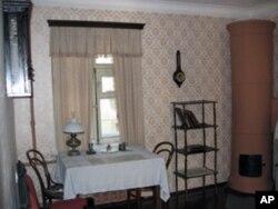 列宁在1894-1895年期间在圣彼得堡租赁和居住过的房间,目前是博物馆