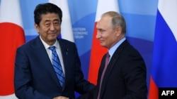 俄罗斯总统普京和日本首相安倍晋三(2018年9月10日)