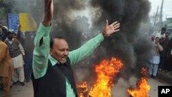 Pakistani Christians rally against the killing of Catholic minister Shahbaz Bhatti in Multan, Pakistan, March 3, 2011.
