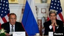 Rusya Dışişleri Bakanı Sergei Lavrov ve ABD Dışişleri Bakanı John Kerry