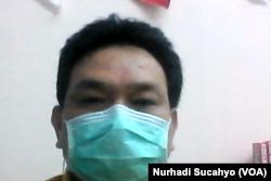 Dokter PDP RSUD Atambua, NTT, Theodorus L. Maubere, dalam tangkapan layar. (Foto: VOA/Nurhadi Sucahyo)