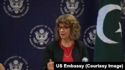 امریکی نائب معاون وزیر خارجہ برائےمردم شماری، پناہ گزین وترکِ وطن نینسی ایزو جیکسن