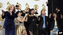 拱廊之火赢得格莱美年度最佳专辑奖