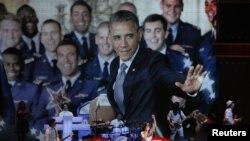 El presidente Obama asistió este sábado a la inauguración de un concierto para niños y familiares de los militares.