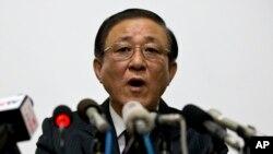 지난 29일 지재룡 중국주재 북한대사가 베이징의 북한대사관에서 기자회견을 열고 남북관계 개선을 주장하고 있다.