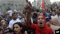 23일 이집트 수도 카이로의 타흐리르 광장에 집결한 대규모 시위대