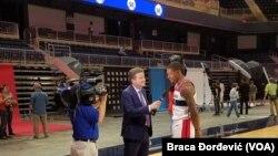 Bradley Beal des Wizards de Washington, à droite.
