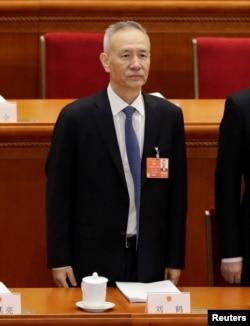 刘鹤出席人大开幕式。