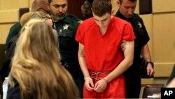 Nikolas Cruz au tribunal, le 19 février 2018, à Fort Lauderdale, en Floride.