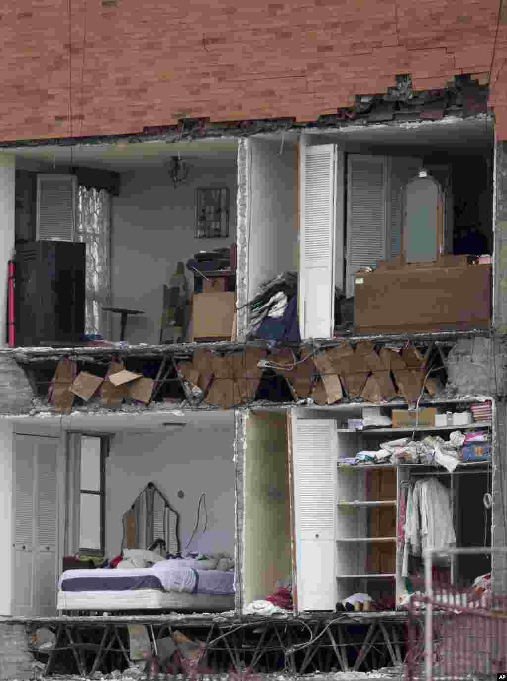 خانه های تخریب شده پس از زلزله شدید مکزیک.عملیات جستجو برای یافتن قرانیان زلزله مکزیک همچنان ادامه دارد.